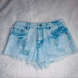 ✨NWOT LIGHT BLUE STAINED JEAN SHORTS✨